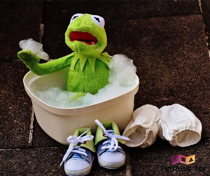 Image of kermit washing