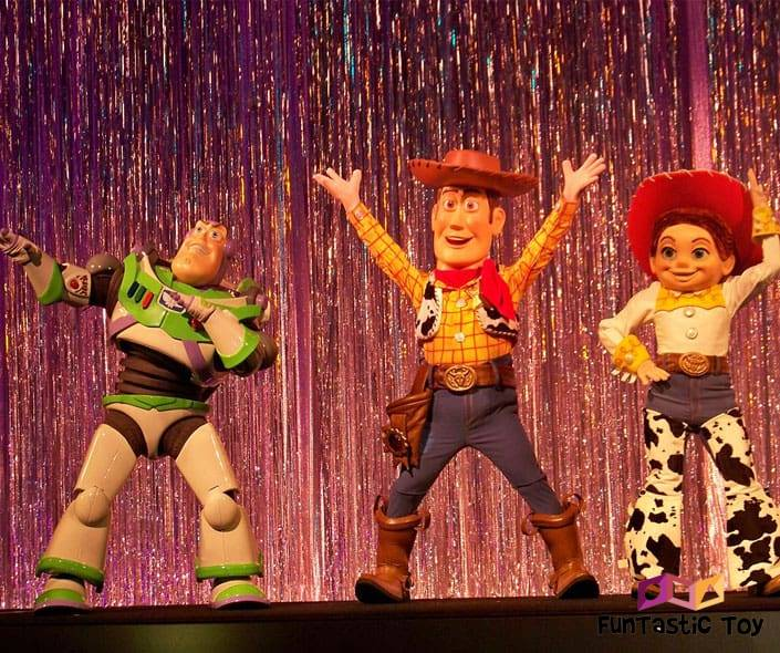 Image of toys from Toy Story dancing