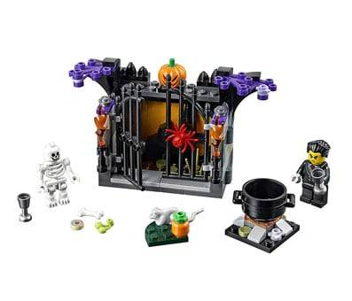 Product image of LEGO Holiday 6175449 Halloween Haunt 40260